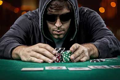 Exploiting players' weaknesses in poker