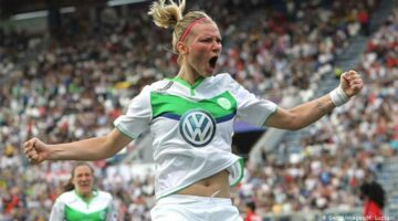 Alex Popp will play a key role for Germany in their Women's World Cup clash against Sweden on Saturday.
